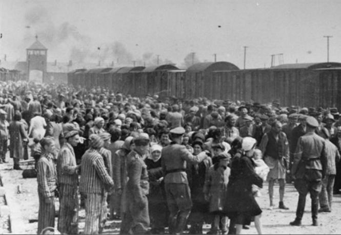 Auschwitz ramp 2